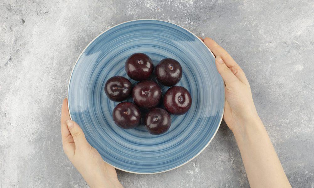 buy plums online